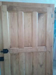 Pintura de puertas en Alicante, de madera y metal, lacado de puerta. Reformas en El Campello Alex
