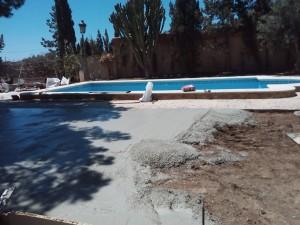 Trabajo de hormigón en piscinas de reformas en El Campello Alex.