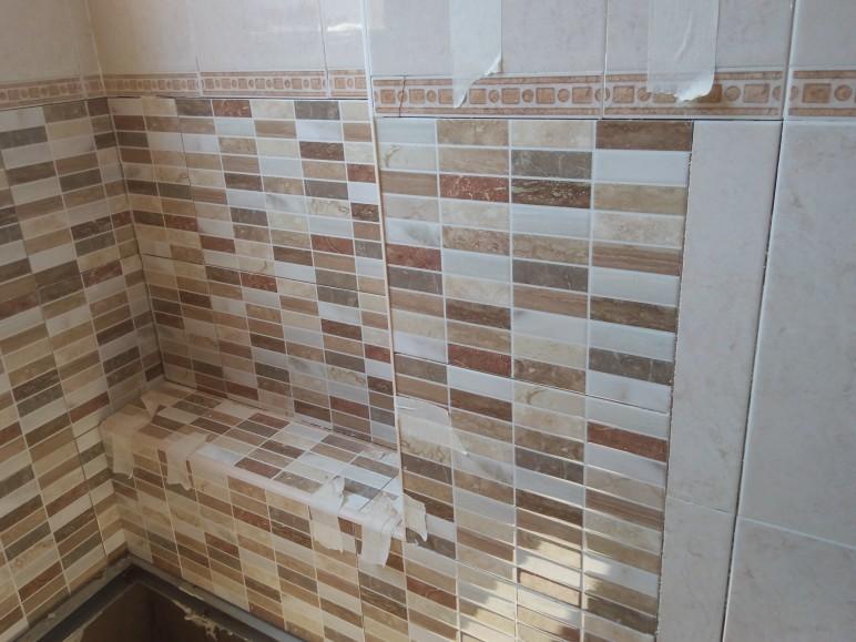 Cambia tu bañera por un plato de ducha en Alicante. Reformas en El Campello Alex.
