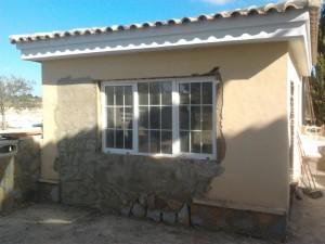 Reforma de fachada en Campello. Contrucción de ventana en Alicante con Reformas Alex